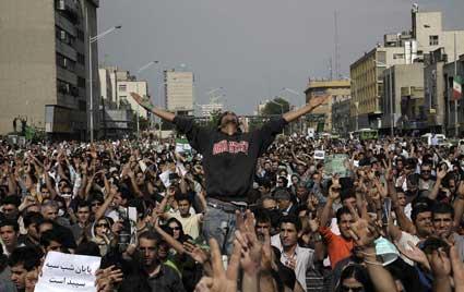 اجتماع میلیونی هواداران میر حسین موسوی در تهران